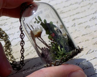 "Sansa's ""Little Bird"" Terrarium Necklace, Terrarium Jewelry, Game of Thrones, Sansa Stark, Little Bird, Needle-Felted Bird, Real Plants"