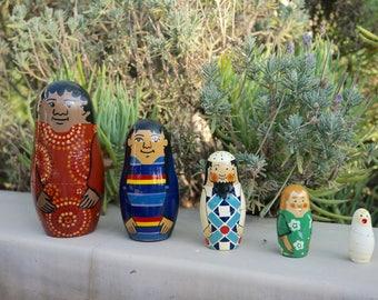 Hawaiien Nesting dolls  // Set of 5 // Matryoshkas // Vintage nesting dolls // Wooden nesting dolls // Russian dolls // Home decor