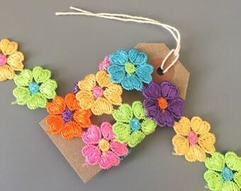 25mm Daisy Chain Ribbon 1 Yard / Multicolour Floral Flower Trim / Wedding Textiles Crafts Sewing Dressmaking