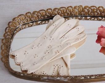 Mid Century Cream Embroidered Summer Church Gloves