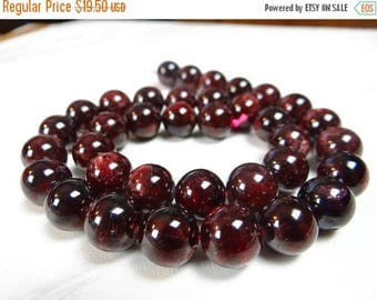 50% OFF SALE-- Red Maroon garnet smooth round beads/11mm/7.5 inch strand