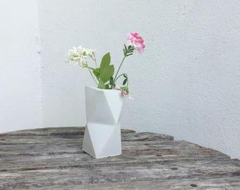 Design convrete vase origami octogone // minimalist geometric pot zen // gift decoration