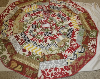 Christmas tree skirt quilted multicolor 60""