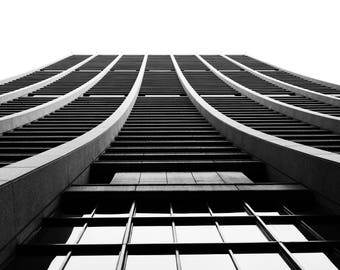 Black and White Photography, Architecture Photagraphy, Chicago - Chase me if you Can