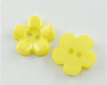 Acrylic flower shaped button with 2 holes - yellow - 1 set