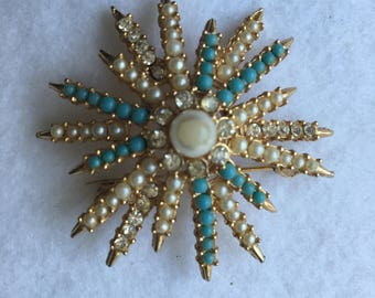 GOLD, TURQUOISE and PEARLS Vintage Star-Shaped Costume Brooch. 1960's. Classic Mad-Men Style, Gold, Pearl, Rhinestone and Turquoise