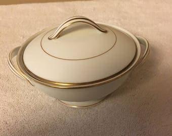 Noritake Dawn 5930 Sugar Bowl with Lid