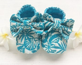 Teal Tropical Fish Baby Girl Shoes with Bow