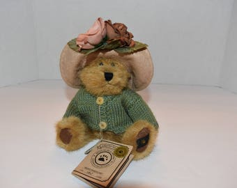 "Boyds Bears ""Penny Whistleby"""