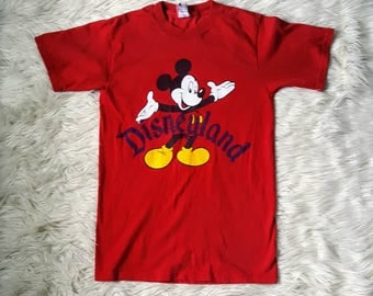 Vintage 90s Disney land Mickey mouse t-shirt size small. Vintage disneyland