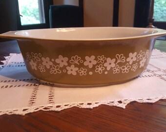 Spring Blossom 2.5 Quart Pyrex Casserole Dish