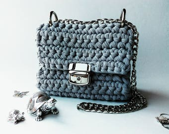 Gray handmade knitted crossbody bag. Elegant knitted crochet crossbody shoulder bag. Clutch.