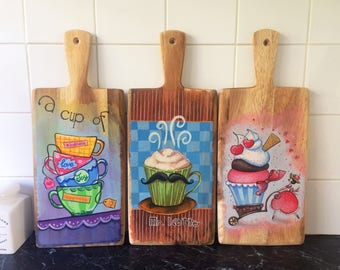 Painted wooden board