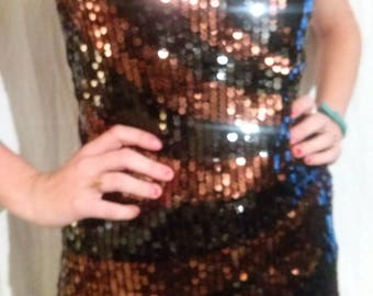 Tank top front in black and copper sequins