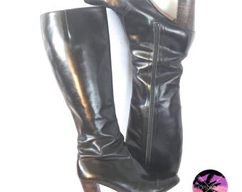 70s Vintage Italian Leather Boots, Black Size 8 MED