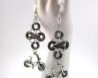 """Jad"" earrings with bike chain"