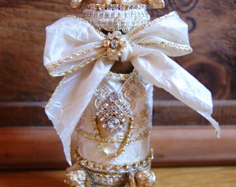 Ivory and gold perfume bottle Angels