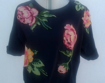 Black cotton T-shirt with embroidered roses