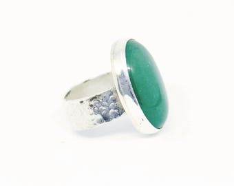 Oval Green Silver Ring