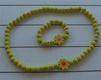 Childrens Yellow Daisy Wooden Necklace and Bracelet Set