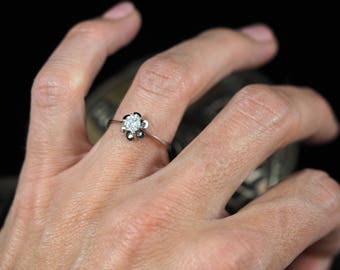 Diamond Engagement Ring - Vintage Solitaire Ring
