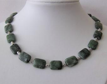 Beautiful neclace Canadian jade gemstone