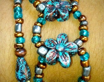 Blue and copper beaded bracelet