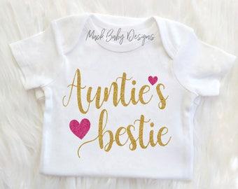 Aunties Bestie Onesie, Aunties Bestie Shirt, Aunt Baby Clothes, Baby girl Clothes,Gold glitter bodysuit, Baby girl onesie