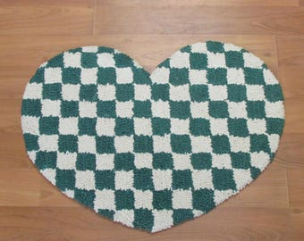 Hand Hooked Cotton Heart Check Rug