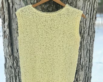 70's handmade pale yellow boucle' sleeveless blouse/knit/sweater
