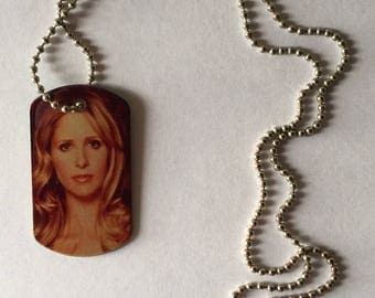 buffy necklace against vampires on both sides /bufy the vampire slayer buffy and spike