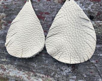 White Pebble Grain Leather Raindrop Earrings