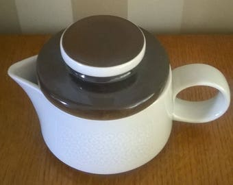 Rorstrand Sweden Vintage Porcelain refractory saucepan with lid Forma design Olle Alberius.  1967-81
