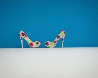 Cut pair of shoes heel collage paper towel flowers