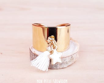 Adjustable ring gold plated, Star and white tassel