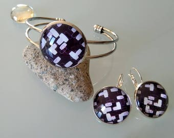 Set Bangle bracelet + earrings with plum/white pattern glass cabochon