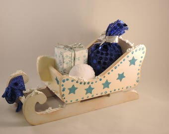 miniature Christmas sleigh, table decoration, blue and White Christmas.