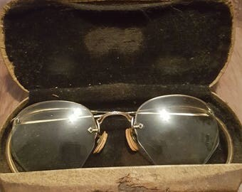 Vintage American Optical 12kt gold filled eyeglasses with case, vintage 1950's eyeglasses, vintage american optical glasses, cosplay