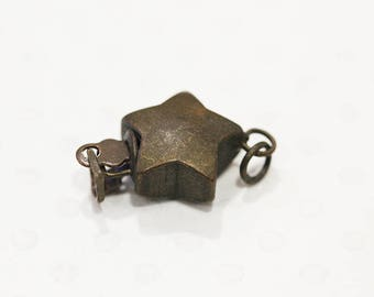 Bronze Star with ring clasp