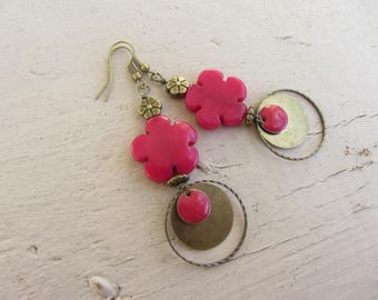 dangling flower fine stone of bright pink jade, enameled sequin, engraved ring and hammered antique bronze earrings