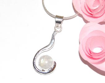 Marked 925 - Silver and Moonstone pendant