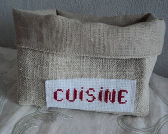 Basket of hemp and linen, embroidered with red