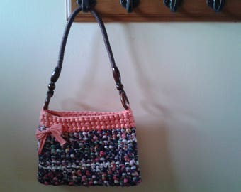Crochet motif shoulder bag