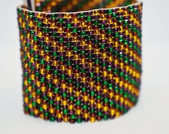 Braided wide bead bracelet.