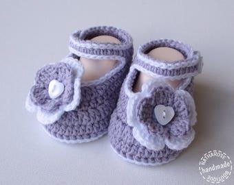 Chaussons bébé fille parme et blanc