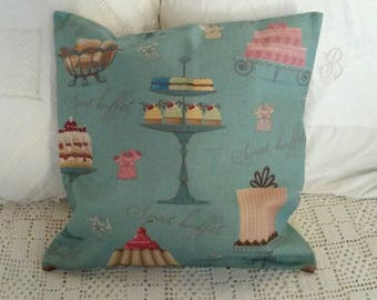 Romantic and vintage pillow cover / cakes and cupcakes pattern