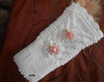 Lace fingerless gloves floral white wool