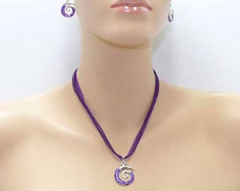 Purple and silver enamelled set