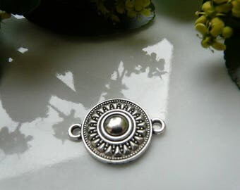 Silver 18 mm round connector charms