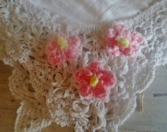 Set of 3 pink crocheted flowers for your creations